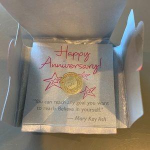 Mary Kay Happy Anniversary 5 Year Pin